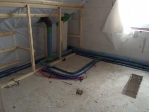 Wasserleitungen zur Badewanne (wenn sie denn mal da ist)