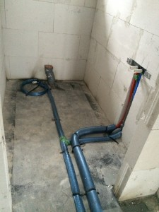 Wassereleitungen im Gäste-WC