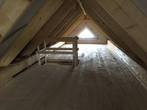 Der ausgedielte Dachboden