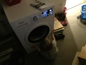 """Somit können wir die DVD """"Waschmaschinenimpressionen"""" als Geburtstagsgeschenk ausschließen, das gibt es nur noch live."""