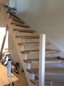 Hier geht es schon nach ganz oben, nur noch ohne Treppengeländer